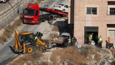 Israel begins demolitions of Palestinian homes in Sur Baher