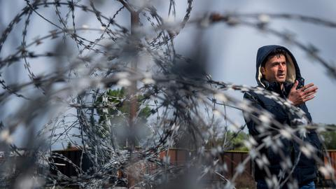 Asylum seekers starve amid Hungary's anti-migrant crackdown