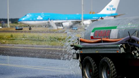 Planes grounded at Amsterdam's Schiphol airport
