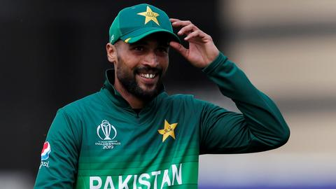 Pakistan's fast bowler Amir retires from test cricket