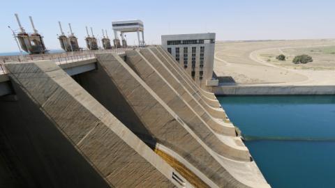 Air strikes threaten biggest dam in Syria