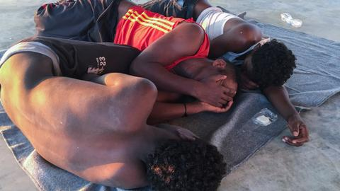 Dozens of migrants die in the Mediterranean - The last 24 hours in pictures