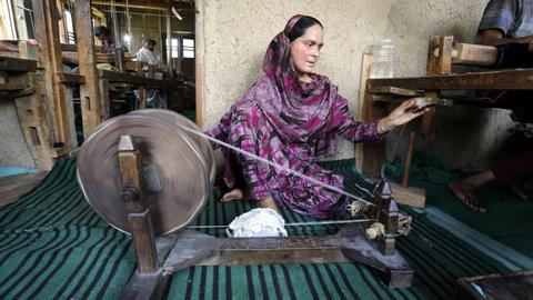 Kashmir's disheartened weavers see little hope for shawl industry