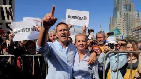 Who is Alexei Navalny — Russian dissenter and Putin's foe?
