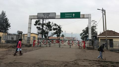 Rwanda says its border with DRC remains open
