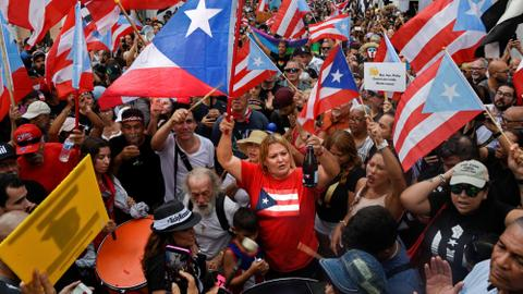 Celebrations as scandal-tainted Puerto Rico governor resigns