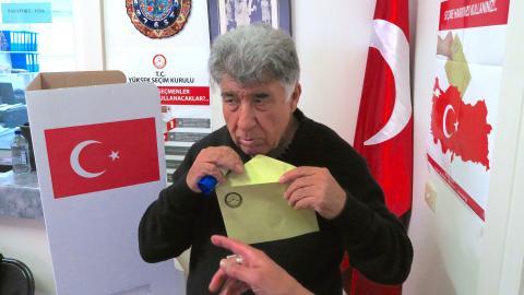 Turkish diaspora in Australia vote in referendum