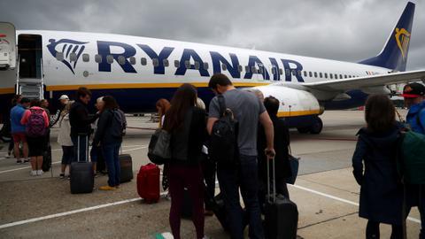 Ryanair's British pilots vote to strike later this month