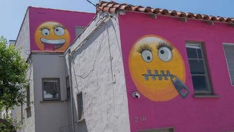 'Emoji' house in LA beach town infuriates feuding neighbours