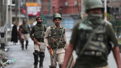 India to keep Kashmir lockdown for Eid on protest fears