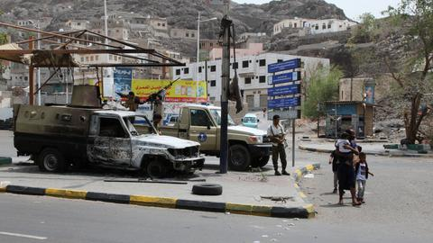 Yemen separatists say ready for talks after Aden 'coup'