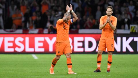 Dutch hero Sneijder announces retirement from football