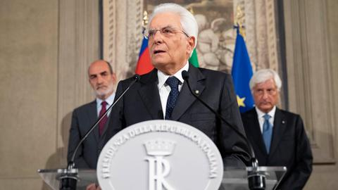Italy's bickering parties get more time to build majority