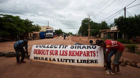 About 1,000 trucks stranded as Mali road protests continue