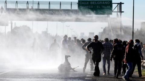 General strike against recession paralyzes Argentina