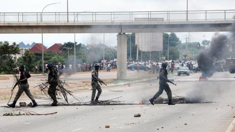 South Africa, Nigeria beef up security after xenophobic attacks