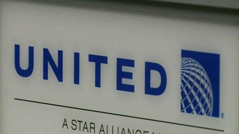 Man dragged off United Airlines plane sparks outrage