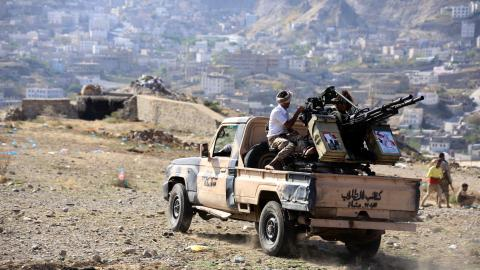 Clashes, air strikes kill over 40 in Yemen