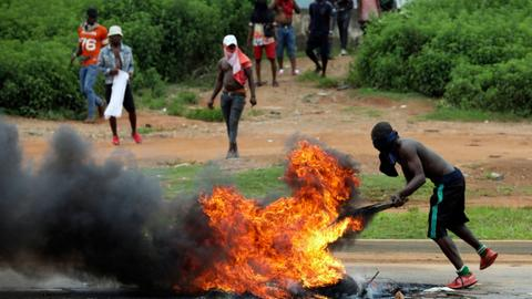 Xenophobic attacks in South Africa spur reprisals across Africa