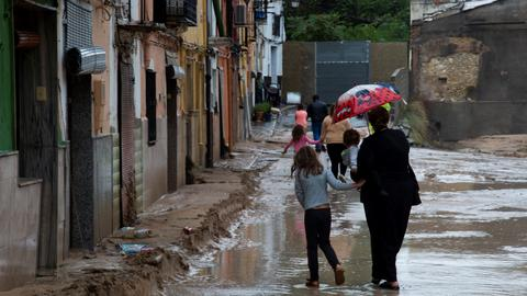 Two dead as torrential rains batter southeast Spain