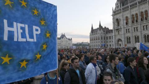 EU warns Hungary against university shut down