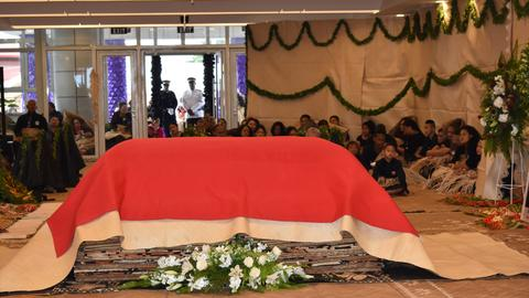 'Rest in love', Tonga bids farewell to late PM Pohiva