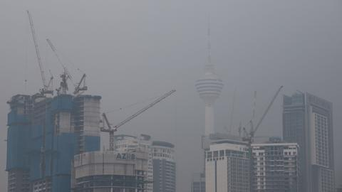 Malaysia, Indonesia shut thousands of schools over forest fires haze
