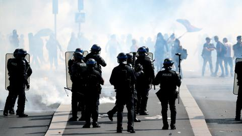 Thousands of Paris police deployed over 'yellow vest' clash fears