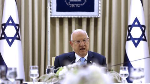 Israel's president invites rivals to break election deadlock