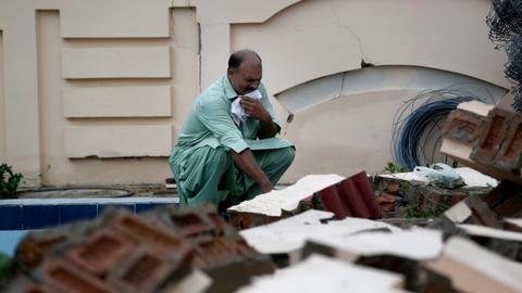 Death toll from quake in Pakistan-administered Kashmir rises to 37