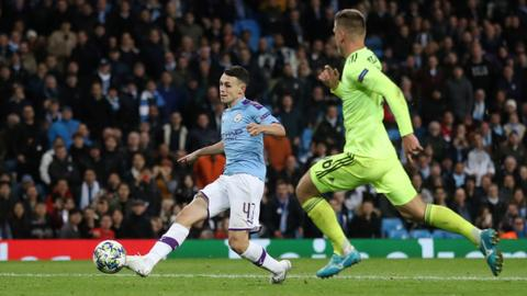 Super subs give Manchester City 2-0 win over Dinamo Zagreb