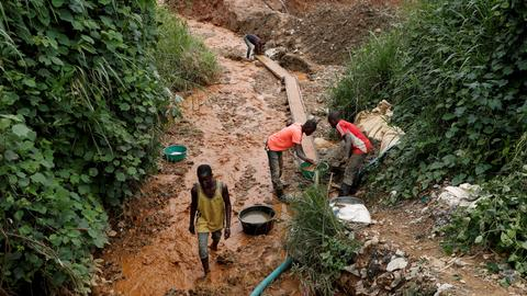 Fourteen dead after illegal mine collapses in DRC