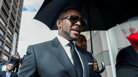R&B singer R Kelly gets May 2020 trial date in sex abuse case