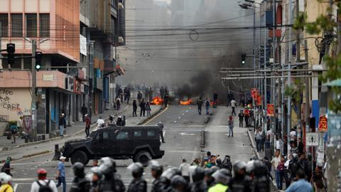 Indigenous protesters convulse Ecuador, 477 people arrested