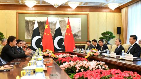 China's Xi says watching Kashmir, supports Pakistan's core interests