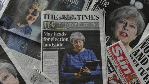 UK heads for surprise general election