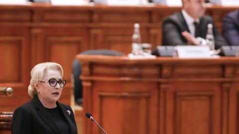 Romania faces uncertainty after government loses no-confidence vote