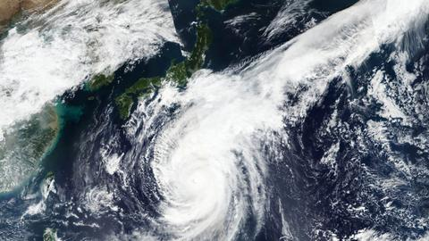 Typhoon Hagibis to hit Tokyo over holiday weekend