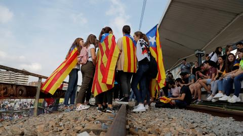 Protests as Spain jails Catalan leaders for independence bid