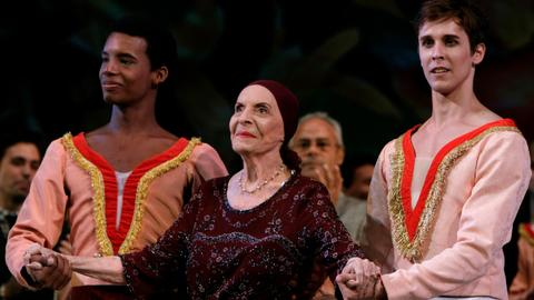 Hundreds honour Cuban ballerina Alicia Alonso