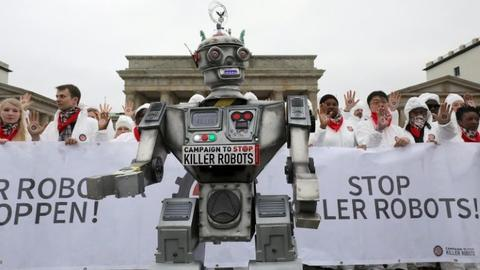Nobel laurate Jody Williams campaigns against killer robots