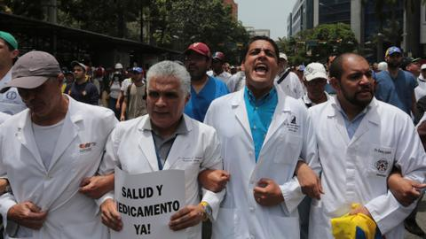 Venezuelan doctors find sanctuary in Argentina