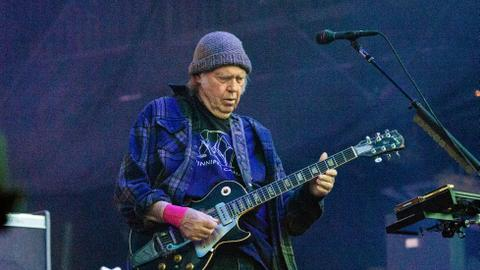 On Neil Young's new 'Colorado' album, amped up rage – and hope
