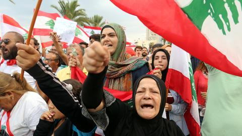 Why is Lebanon still gripped by mass rallies?