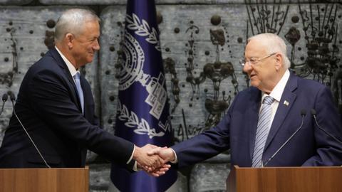 Netanyahu rival Gantz receives decree to try to form Israeli government