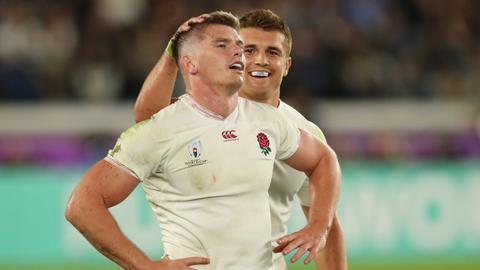 Brilliant England hammer New Zealand to reach World Cup final