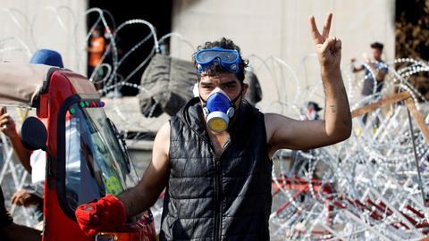 Renewed violence in Iraq protests kills dozens