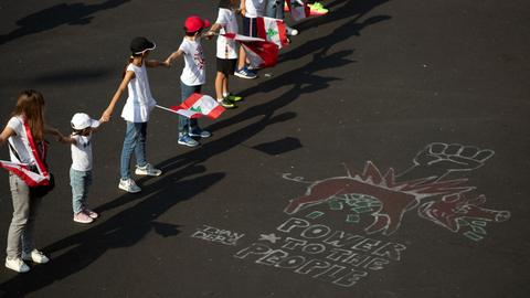 With Lebanon in deadlock, protesters form human chain