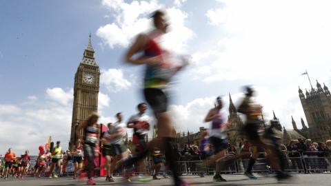 Kenyan runners get gold at London Marathon