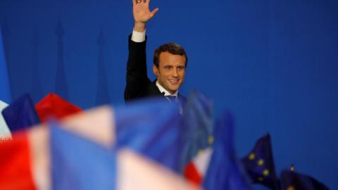 Macron favourite in French presidential run-off